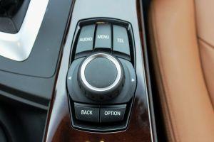 BMW-420d-xDrive-iç-kontrol-dügmesi